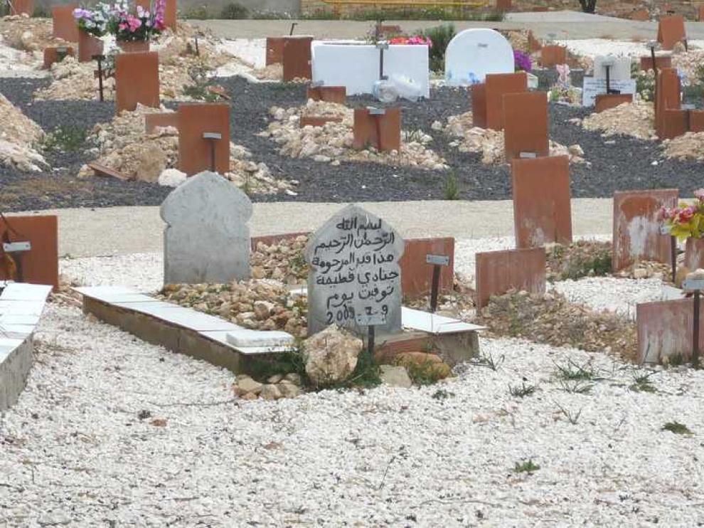 Tumbas musulmanas en el cementerio de Torrero