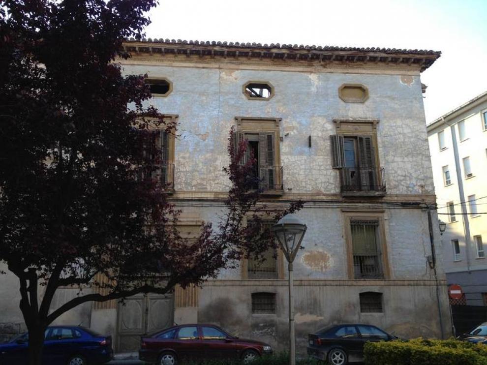 Estado del palacio de los marqueses de Villantonia en la plaza del Carmen de Calatayud