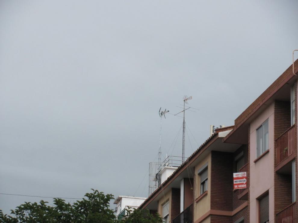 Antenas en la calle de Silvestre Pérez