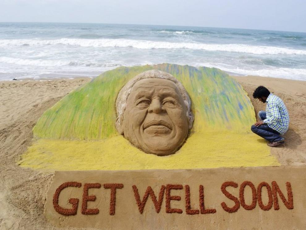 Una escultura de apoyo a Mandela