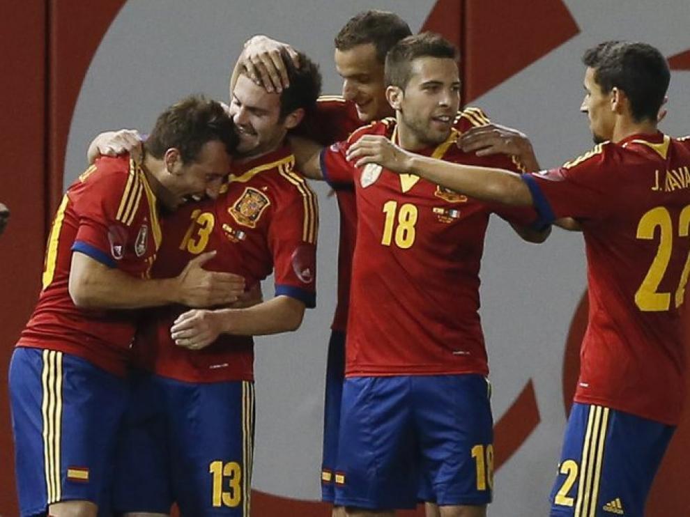 Jugadores de la Selección celebran uno de los goles