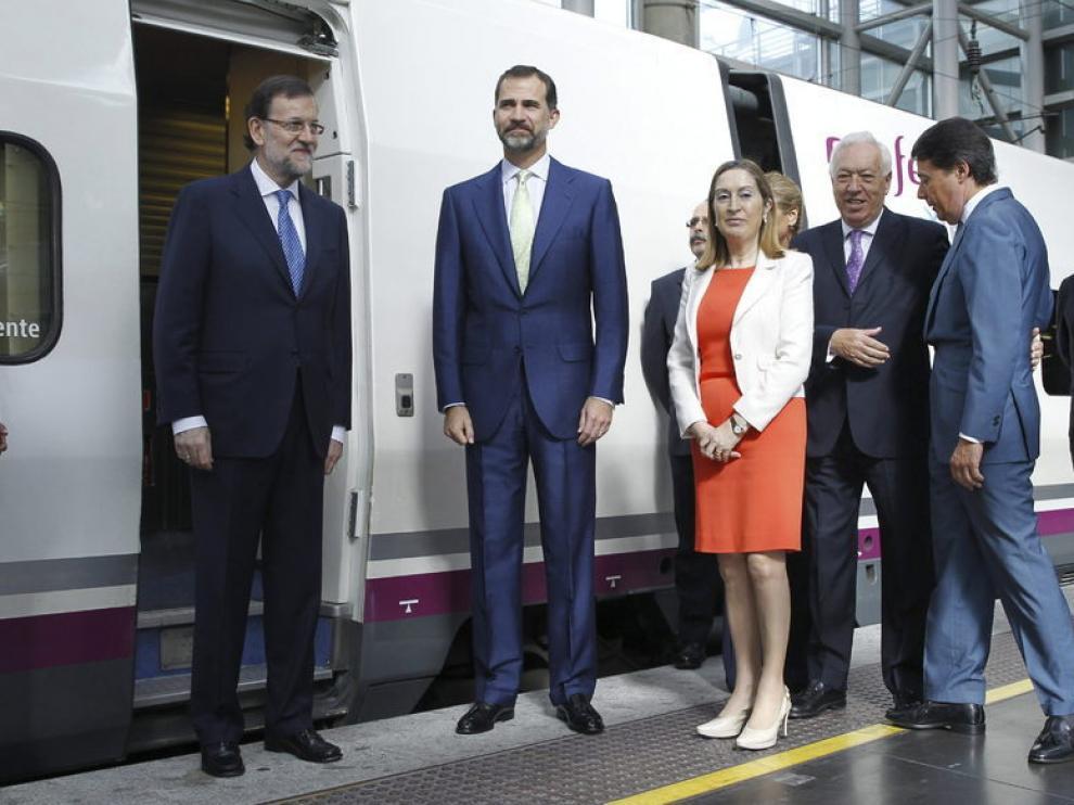 Rajoy y el Príncipe, junto a Pastor, Margallo y González inauguran el AVE a Alicante