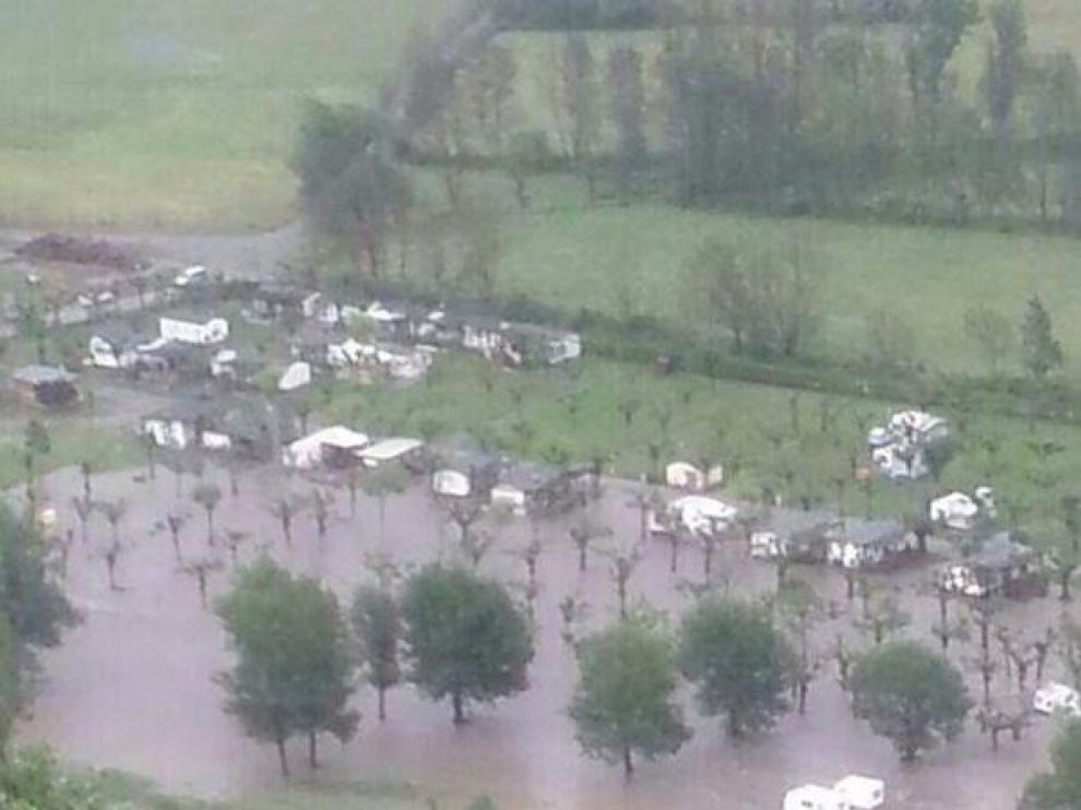 El camping de Castejón de Sos, inundado