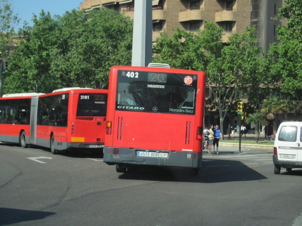 La línea 20, a su llegada a la plaza de Europa de Zaragoza