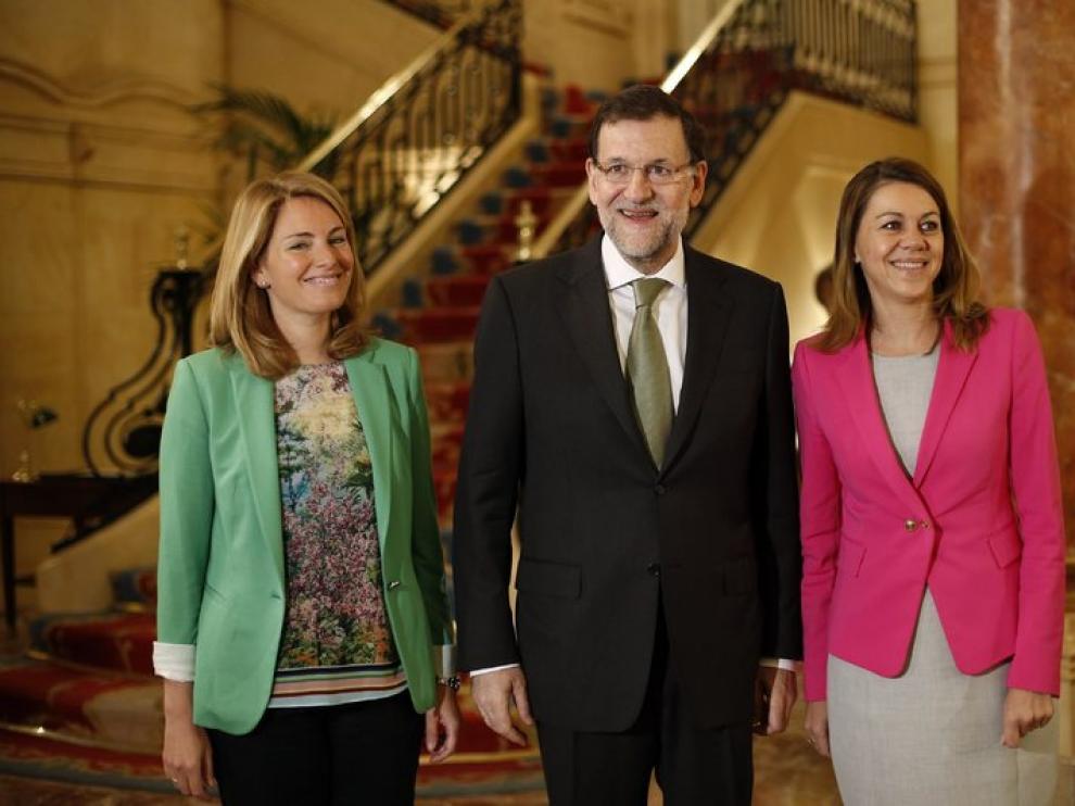 Rajoy, flanqueado por Arantza Quiroga y María Dolores de Cospedal