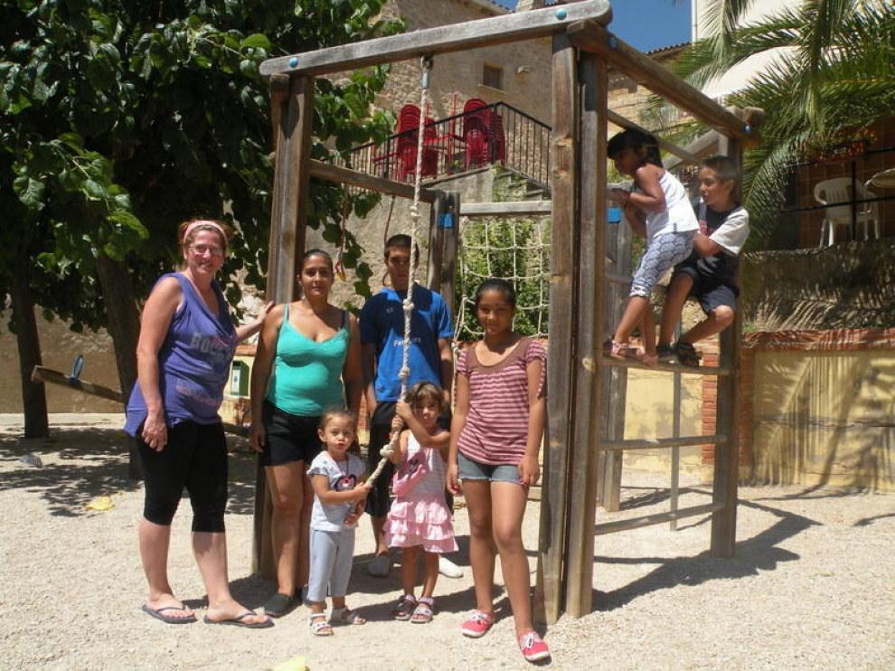 La llegada de dos familias a Lledó permitió mantener el colegio