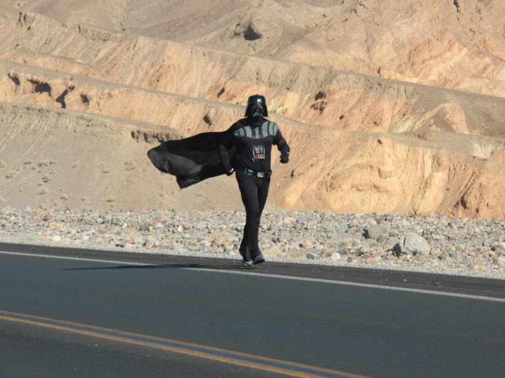 Jonathan Rice vestido de Darth Vader