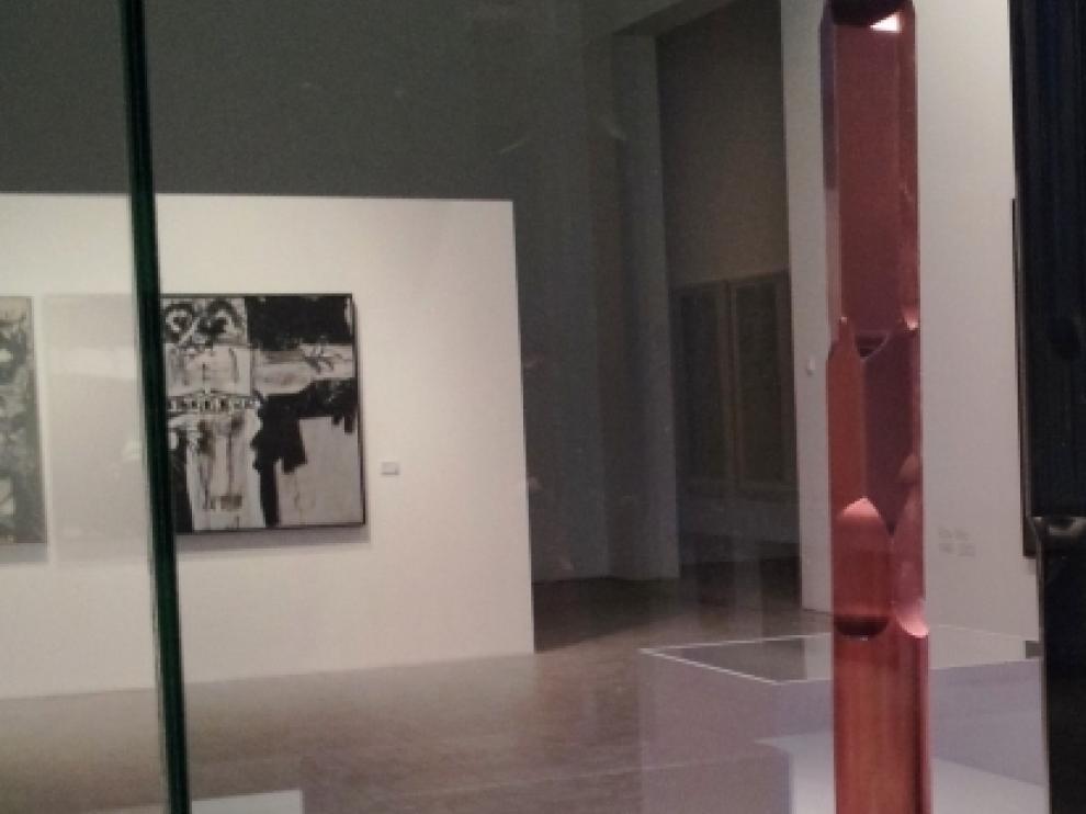 La exposición 'Autores de nuestro tiempo' recoge obras de autores aragoneses fuera de Aragón.