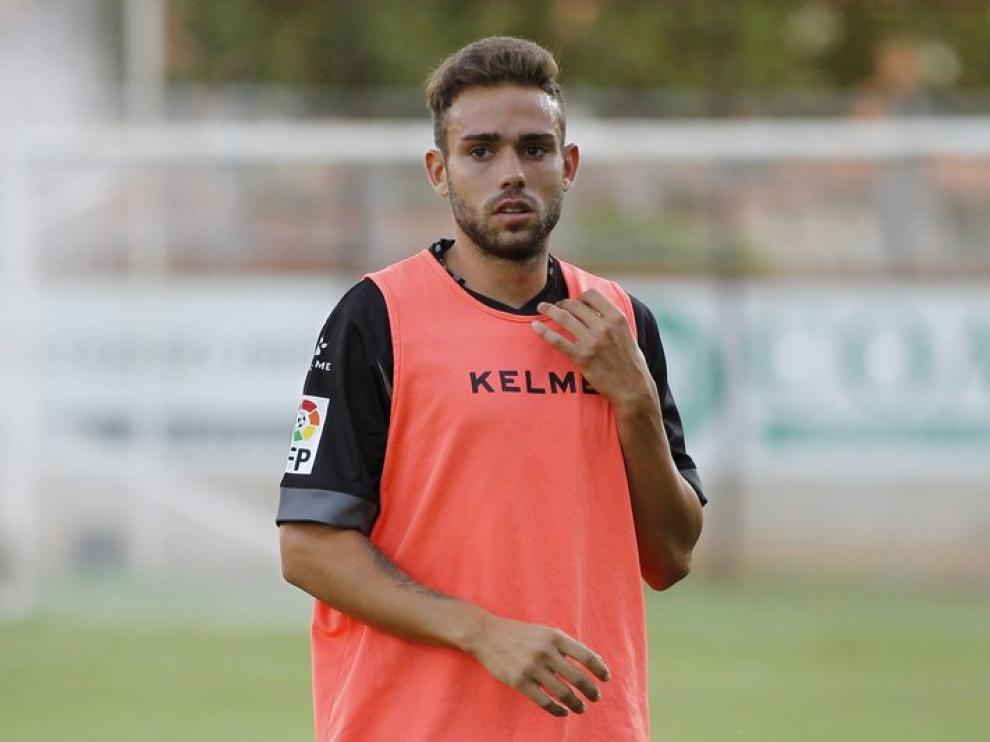Roger en el entrenamiento previo a un partido contra el Teruel