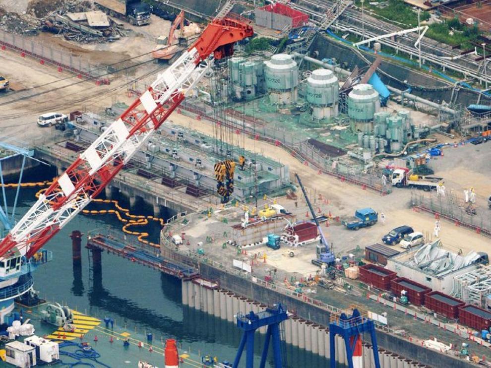 Imagen aérea de la planta de Fukushima donde se aprecian los trabajos que se están realizando