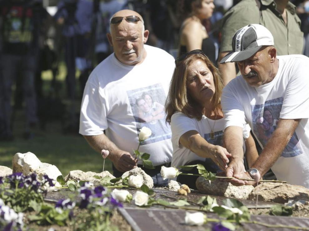 Los familiares de las víctimas en los actos realizados