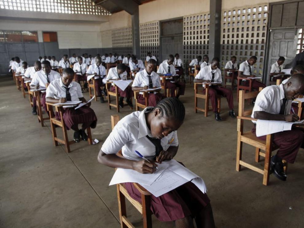 Los colegios carecen de recursos básicos y maestros cualificados.