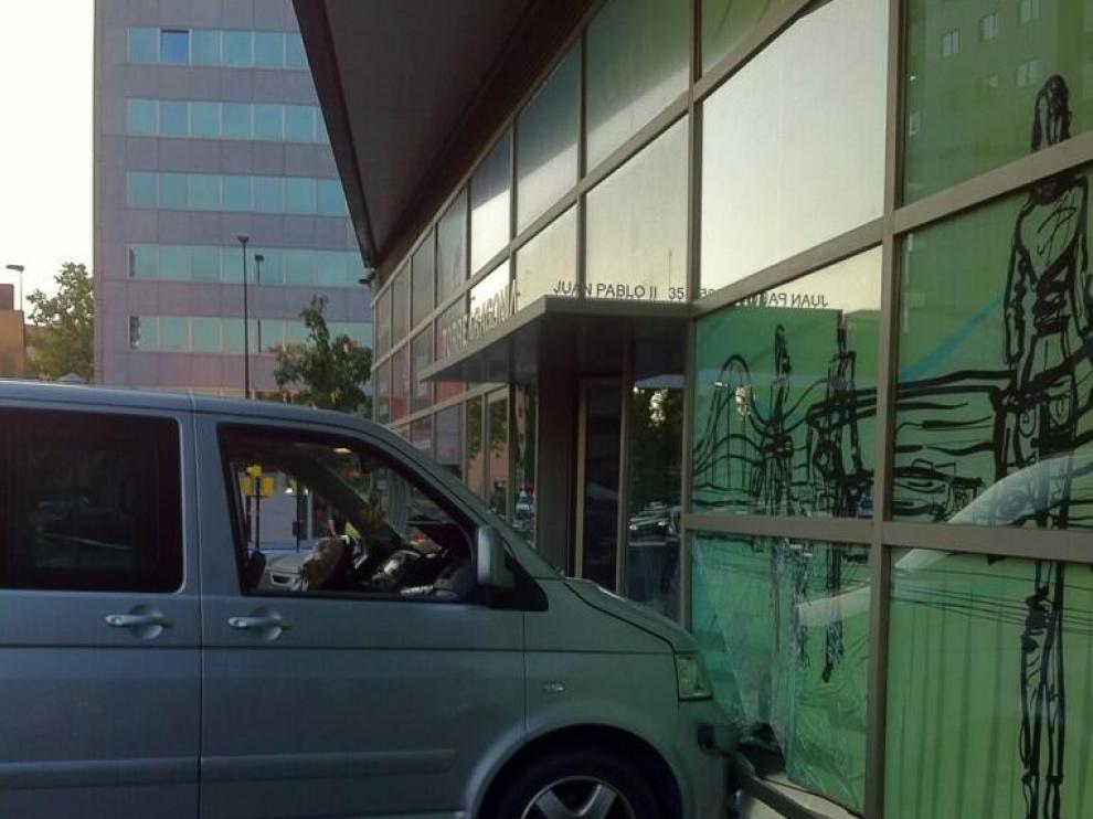 La furgoneta estrellada contra Aragonia