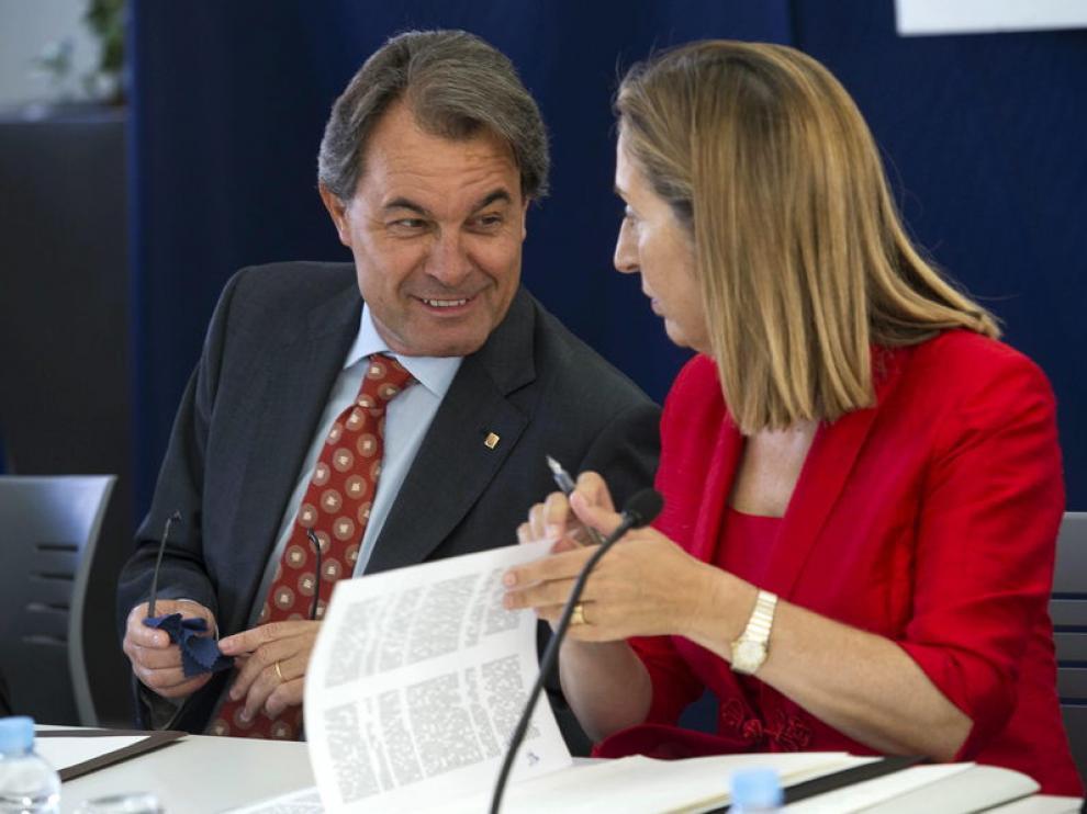 Artur Mas este jueves junto a la ministra de Fomento, Ana Pastor.