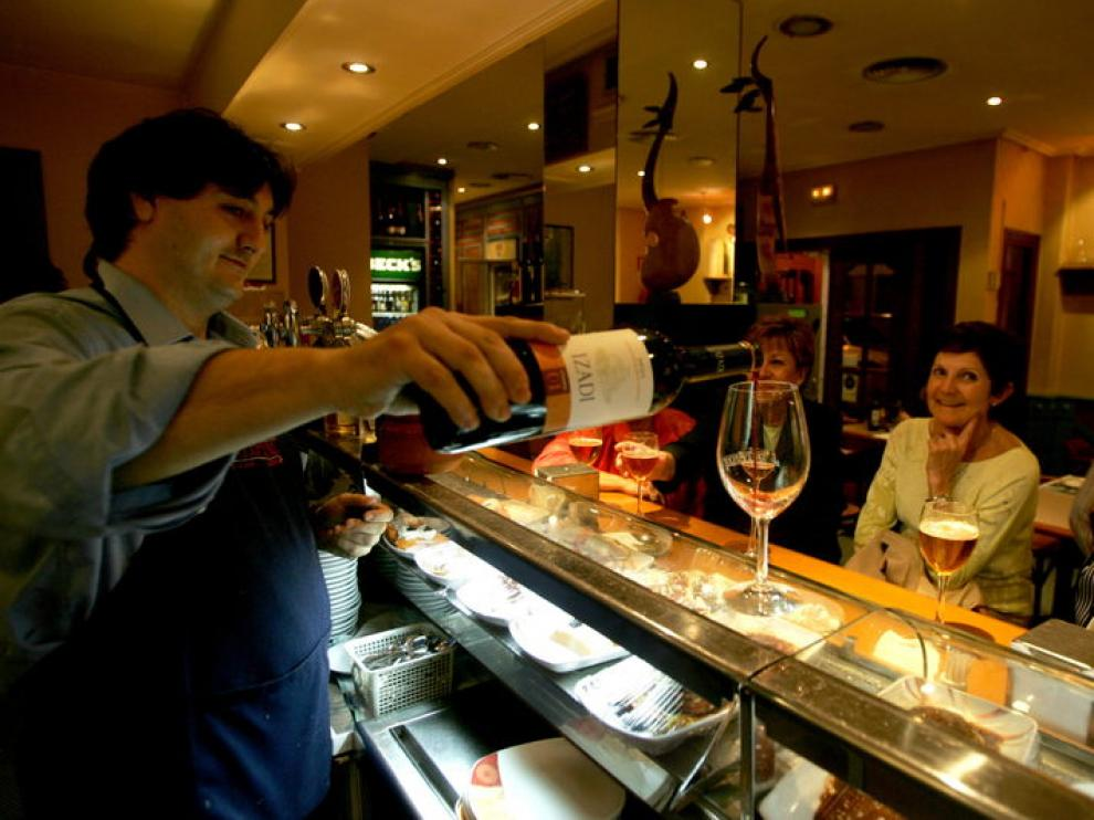 La barra del restaurante Palomeque de Zaragoza