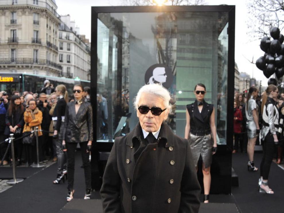El diseñador trabajó para Chanel desde 1983 hasta el día de su muerte.
