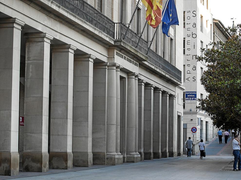 El funcionario arrestado por la Guardia Civil trabaja en la sección de Extranjería de la Delegación del Gobierno en Aragón.