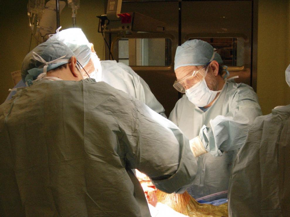 Una operación de trasplante de hígado en el Hospital Clínico de Zaragoza.
