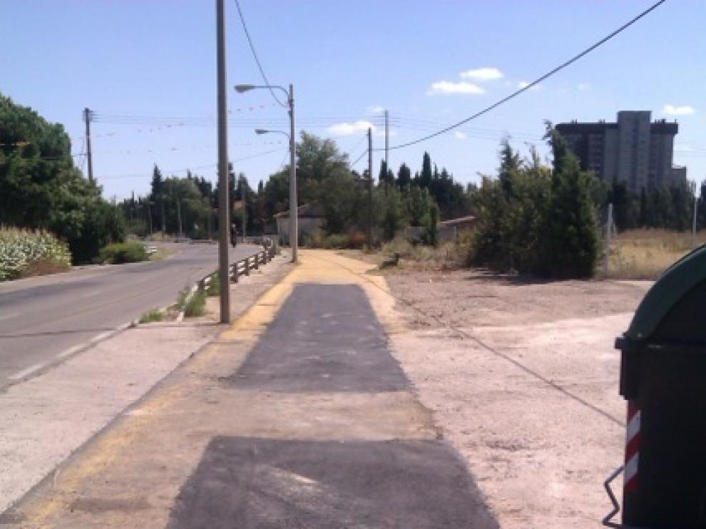 Obras que se han acometido en el andador que une las piscinas con el casco urbano en Movera