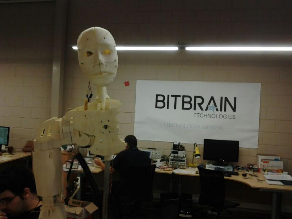 El robot, durante su realización.