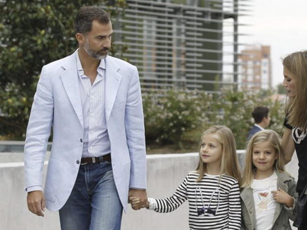 Los Príncipes de Asturias junto a sus hijas