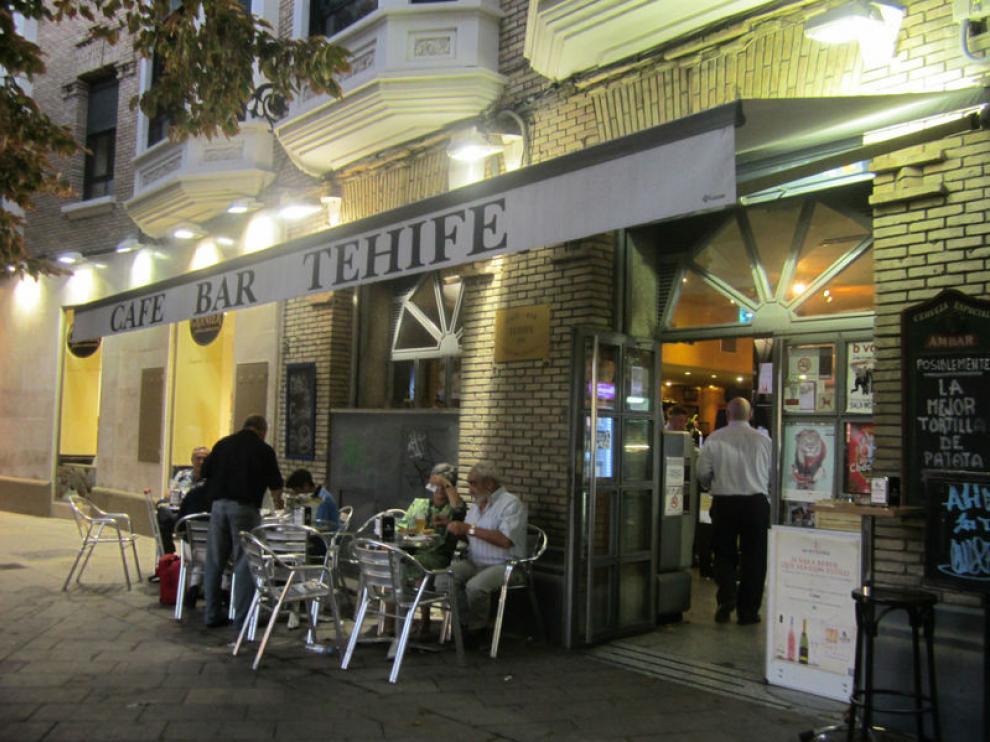 El bar Tehife saca su barra este sábado