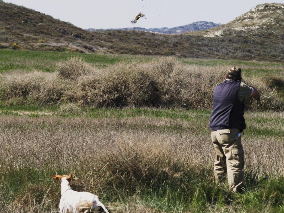 Imagen de archivo de un cazador en Huesca