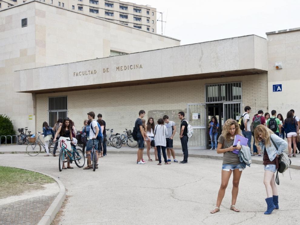 Alumnos de la Universidad de Zaragoza, en la facultad de Medicina