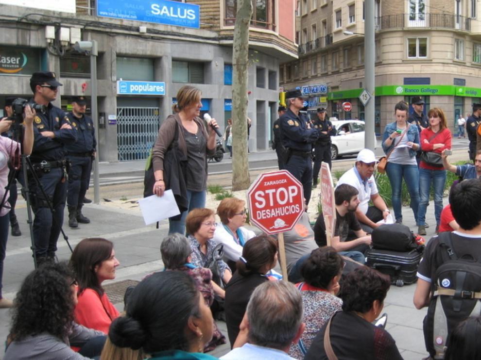 Asamblea de Stop Desahucios en Zaragoza