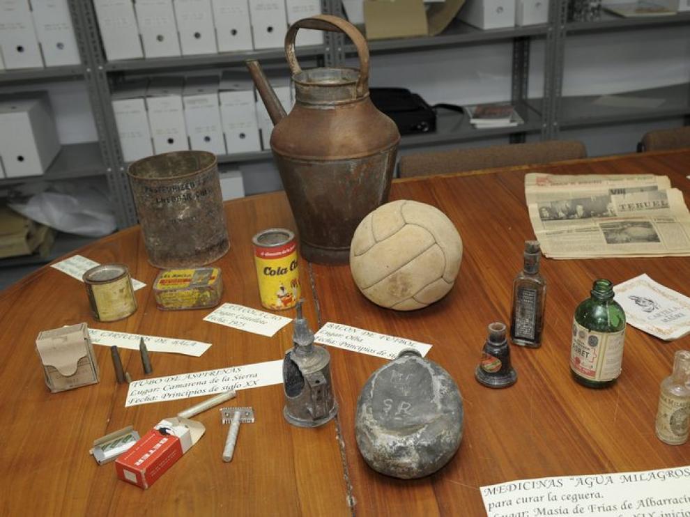 Algunos de los objetos encontrados en pueblos abandonados de Teruel