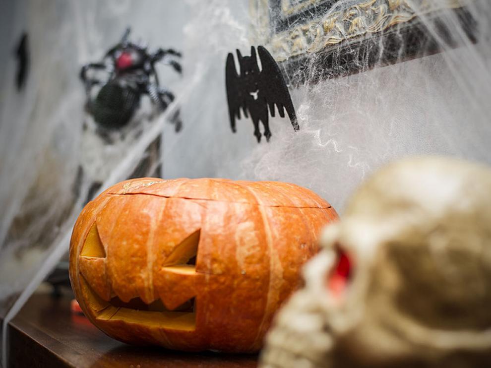 Vampiros, brujas, fantasmas y sobre todo, calabazas. Zaragoza celebra Halloween.