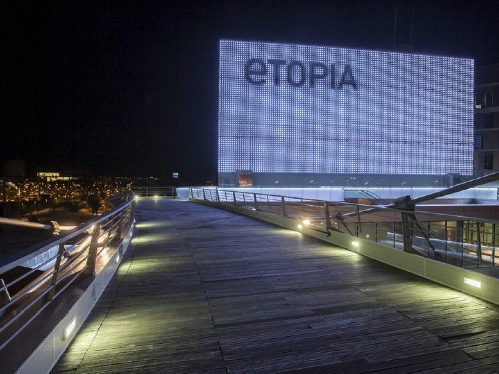 Los 16.884 leds de las fachadas-media permitirán mostrar obras de arte.