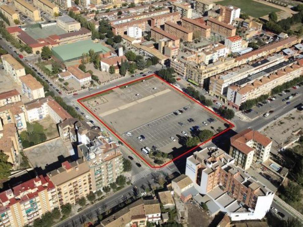 El solar puesto a la venta en Huesca