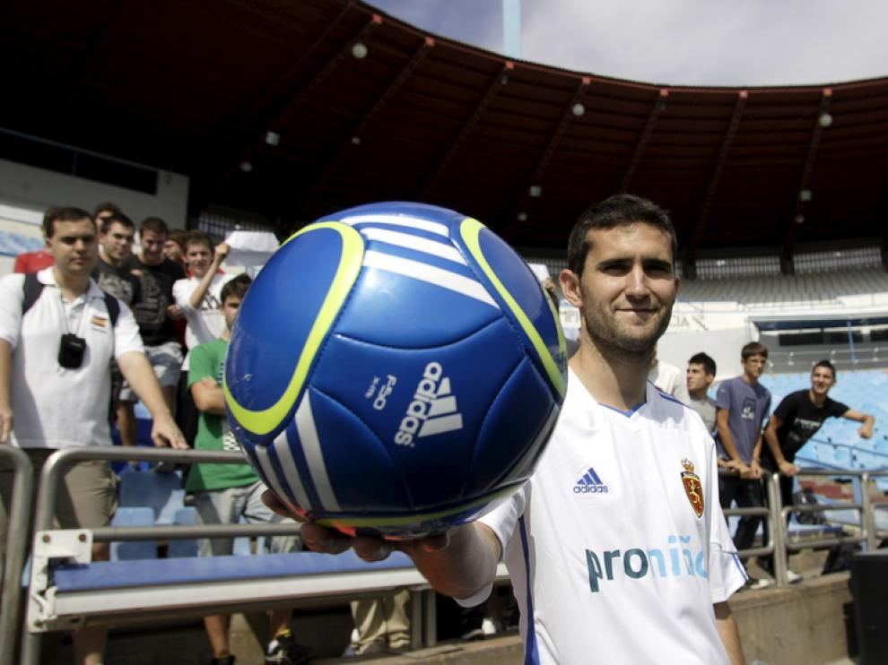 Antonio Tomás, en su presentación como jugador del Real Zaragoza