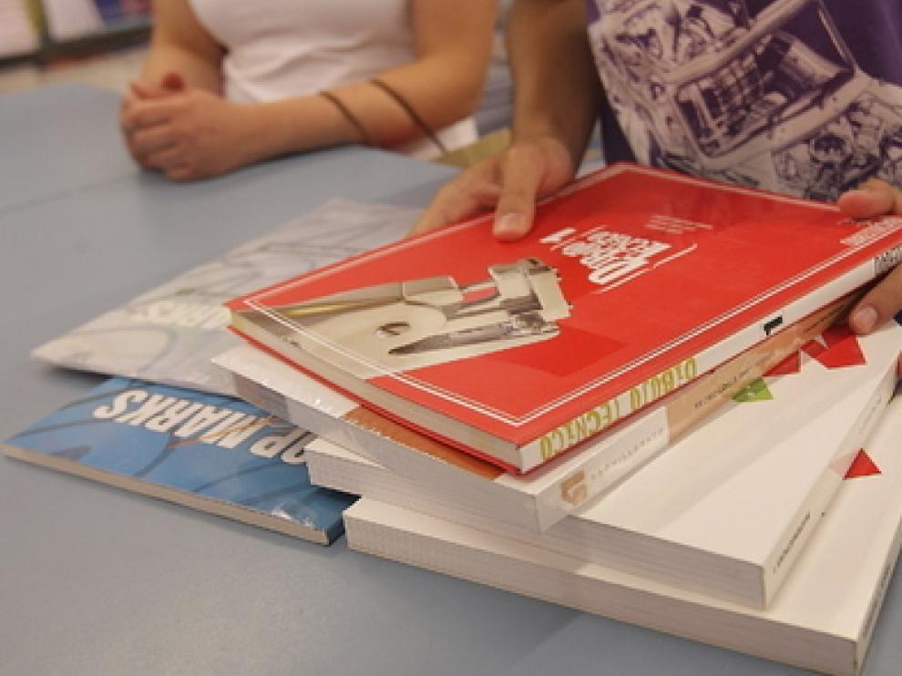 Foto de archivo de material escolar