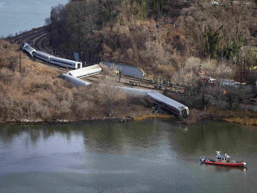 Imagen del tren que ha descarrilado en Nueva York