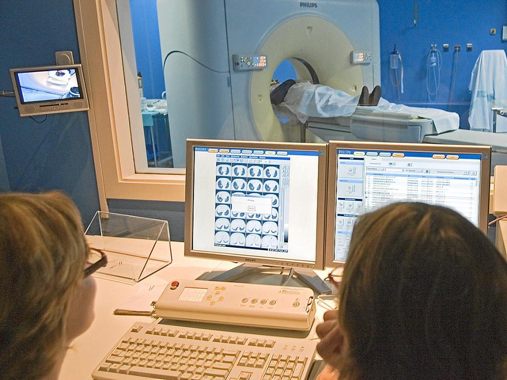Escáner a un paciente en el Hosital Miguel Servet de Zaragoza, uno de los procedimientos de diagnóstico más habituales en casos de cáncer