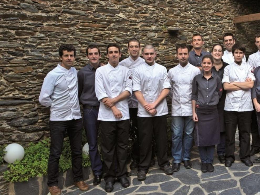 El restaurante Compartir nació de la mano de Mateu Casañas, Eduard Xatruch y Oriol Castro en abril de 2012.