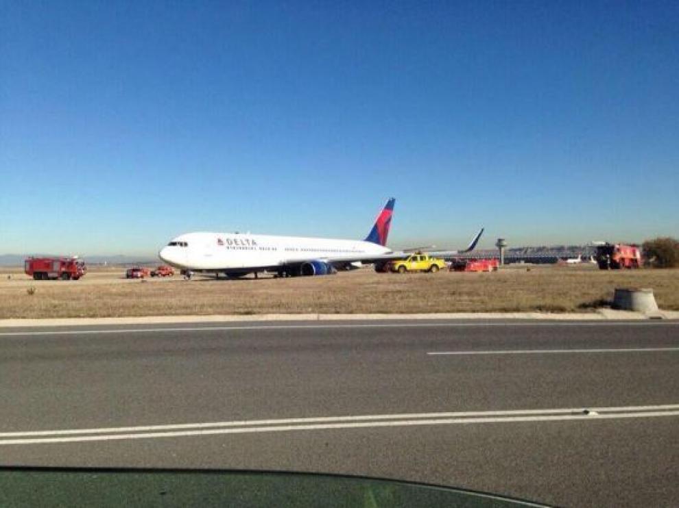 Imagen del avión de Delta que sufrió la salida de pista