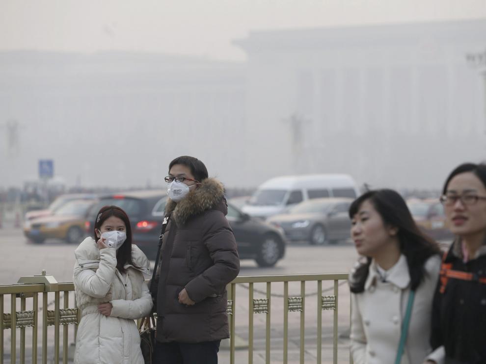 China en alerta naranja por contaminación