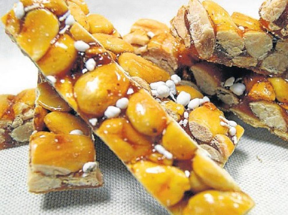 El guirlache es uno de los dulces típicos de la repostería zaragozana.
