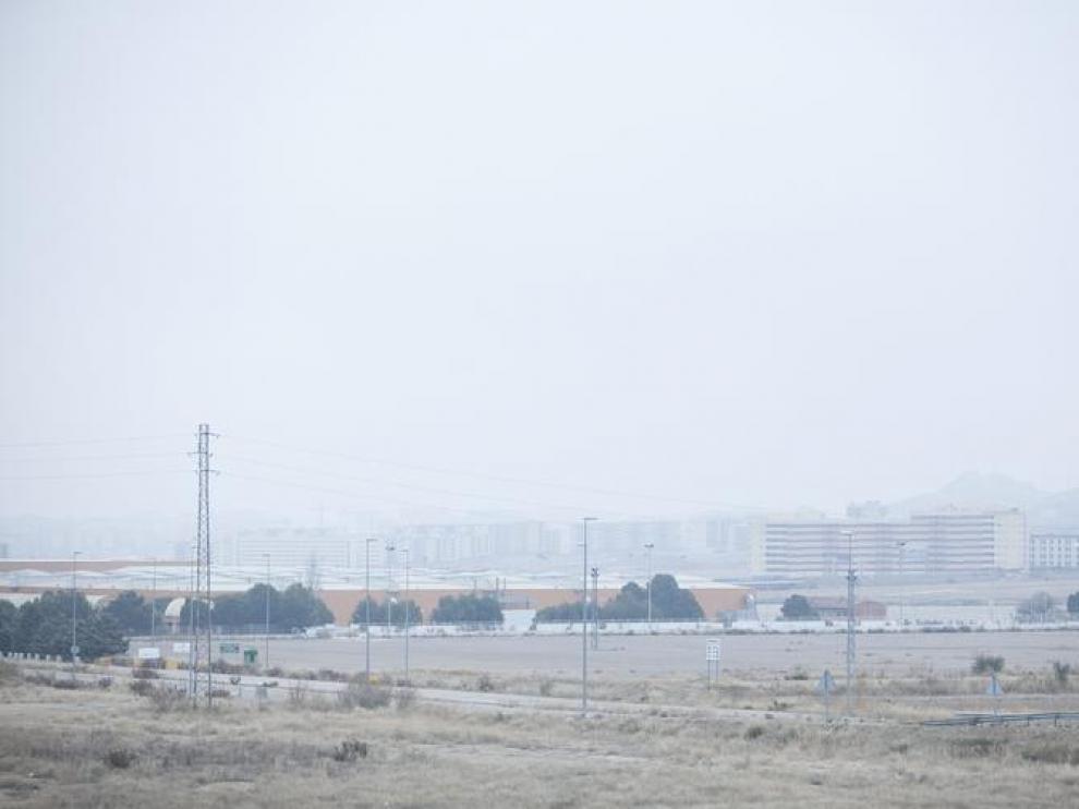 La niebla, sobre Zaragoza.
