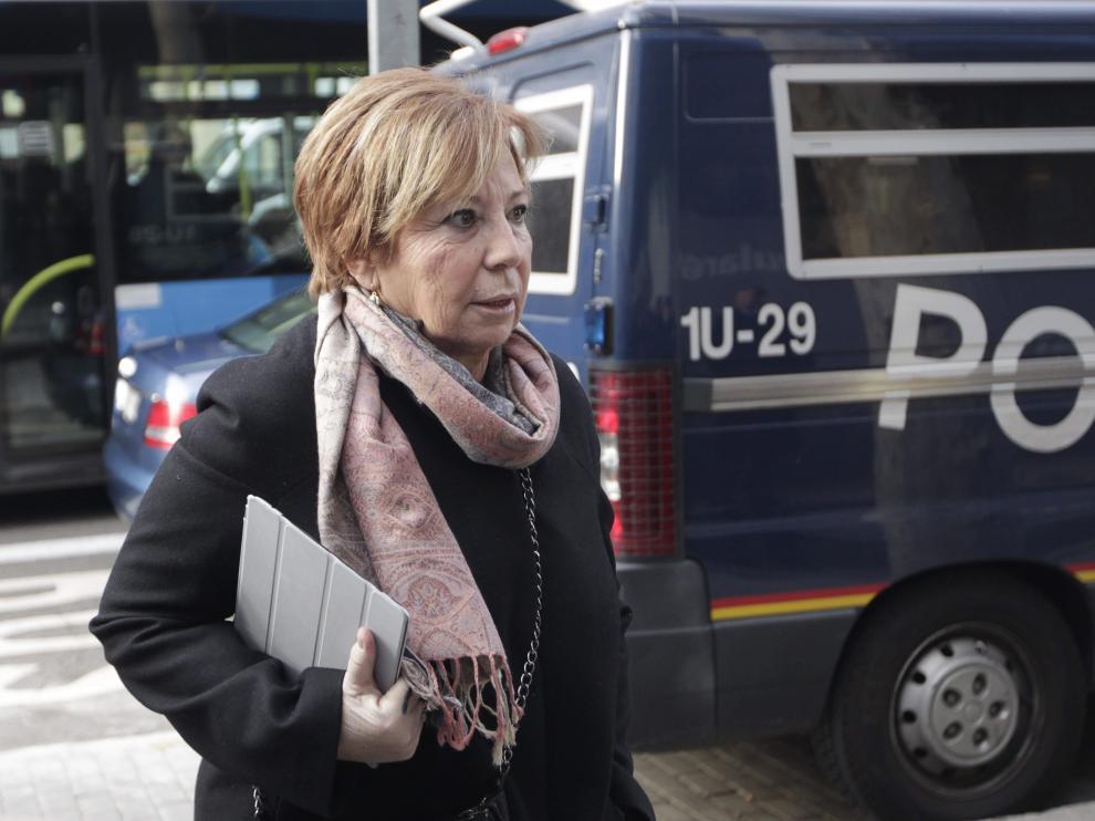 Celia Villalobos a su llegada al Comité del PP