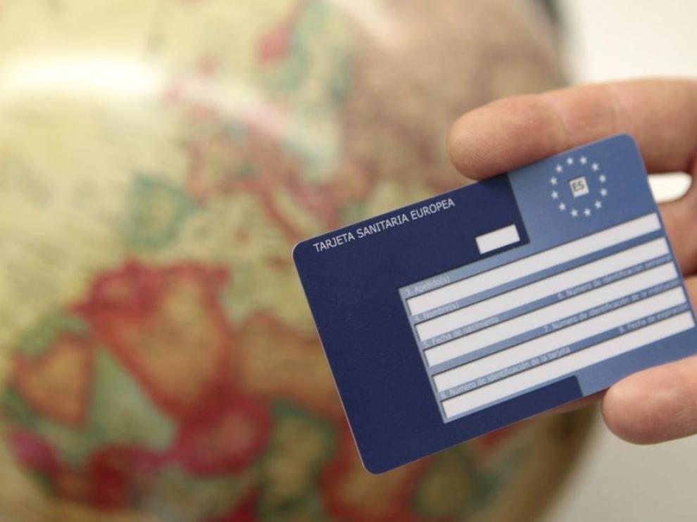 La tarjeta sanitaria europea solo cubre 90 días a quienes no cotizan