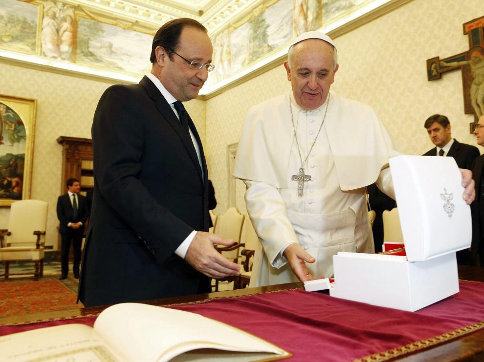 El papa Francisco recibe a Hollande
