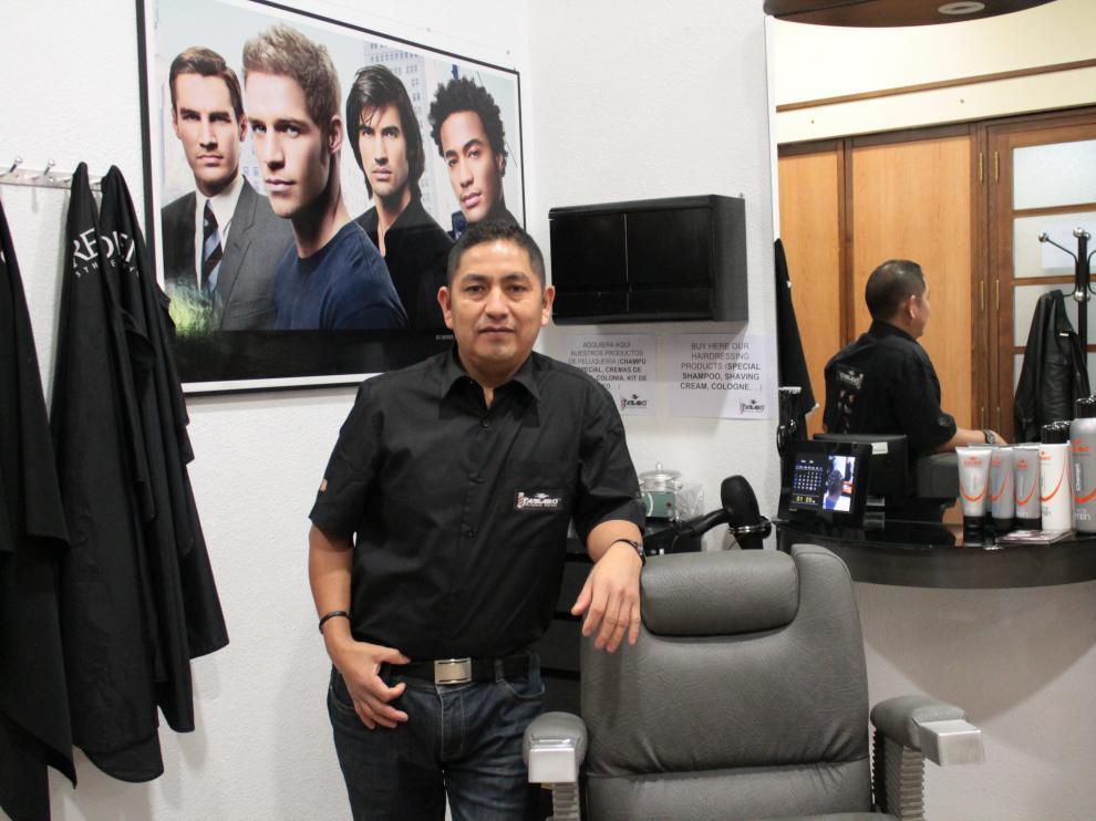 Luis Enrique Capcha, primer peluquero del proyecto Original Barber
