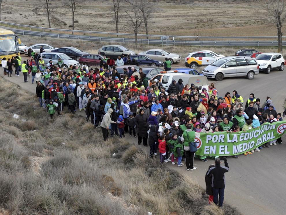Foto de archivo. Marcha por la educación rural en en Teruel