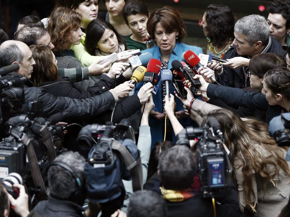 Yolanda Barcina atiende a los medios