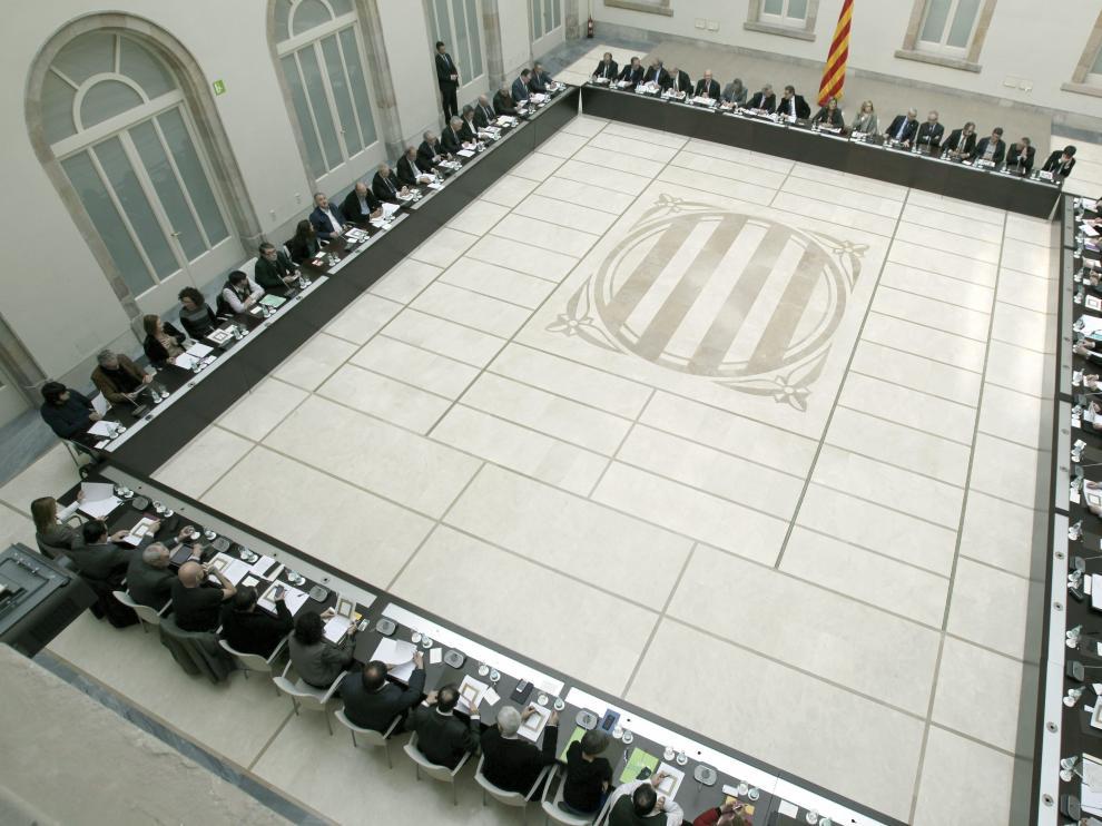 Vista de la mesa que alberga a los participantes en la segunda reunión del Pacto Nacional por el Derecho a Decidir