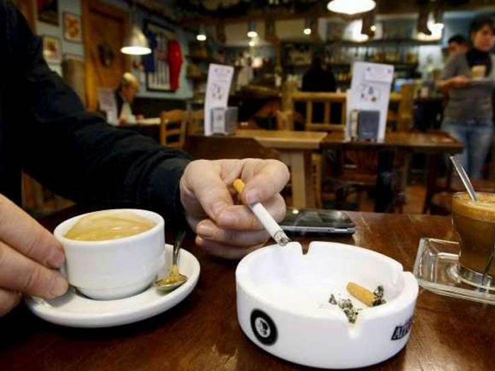 La Ley Antitabaco no ha modificado la asistencia a bares, cafeterías y restaurantes
